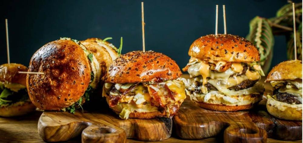 Baz Bistro & Burgers - Unirii cover