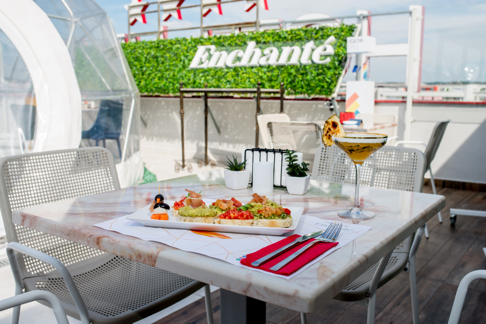 Enchante Rooftop & Social Lounge cover
