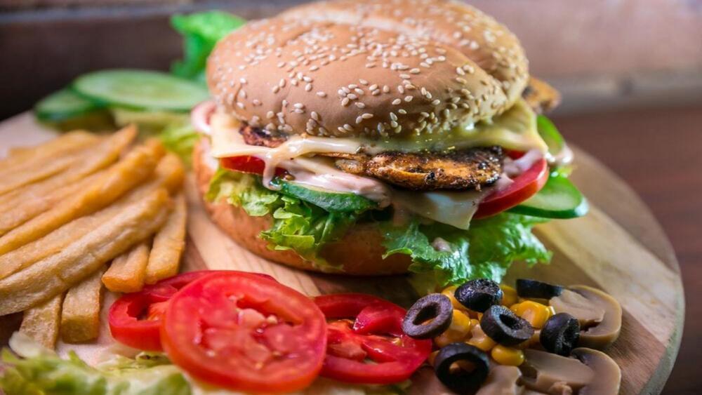 Gigi Burger cover