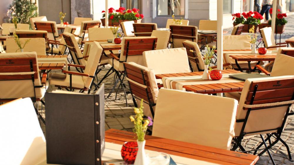 Restaurant Intim cover image