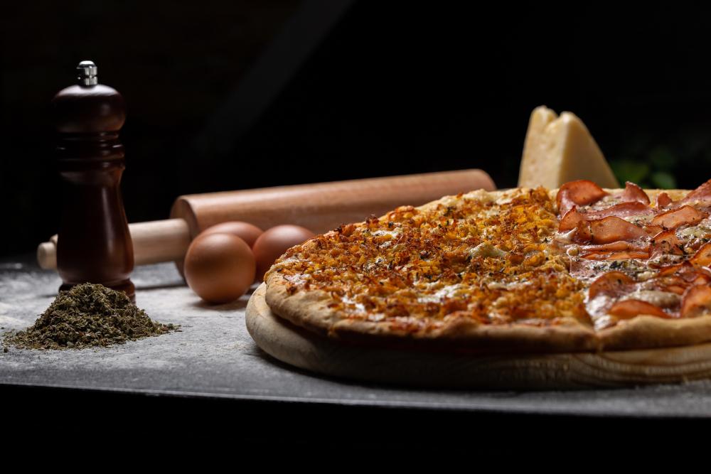 Pizzeria La Familia cover