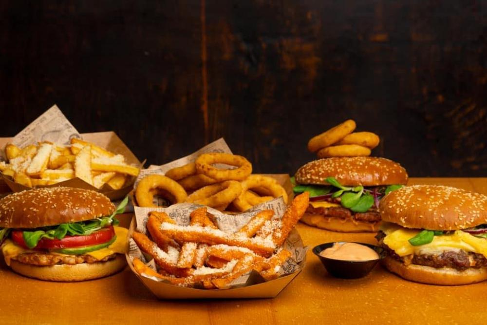 Eat like a Man Timisoara cover