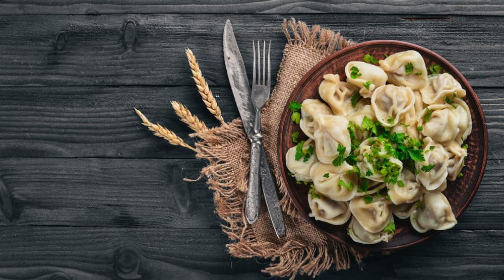 The Globe Restaurant Grigorescu cover image