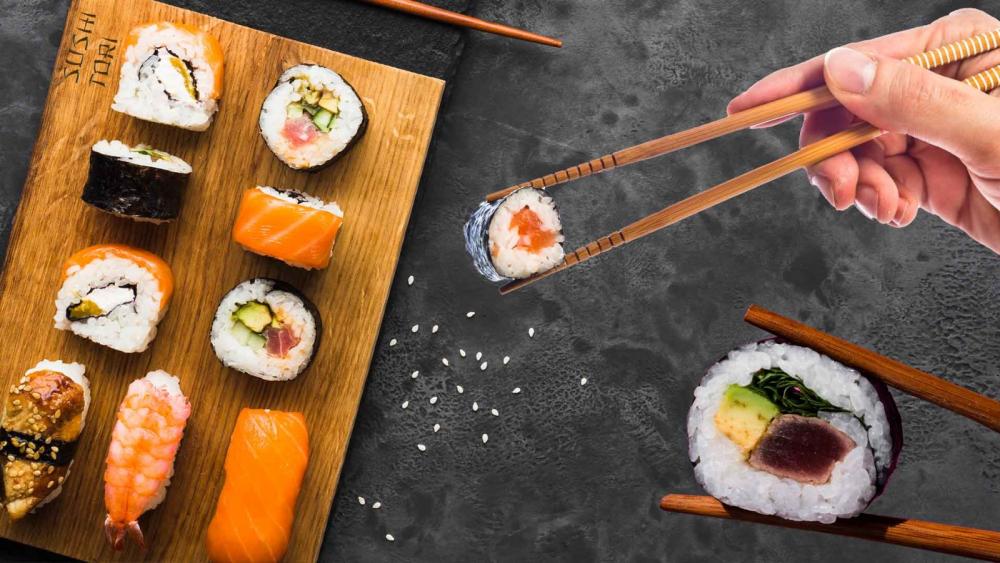 Sushi Tori AFI Brasov cover
