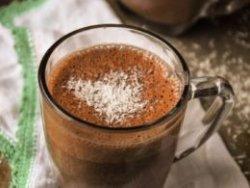 Ciocolata calda neagra cu cocos image