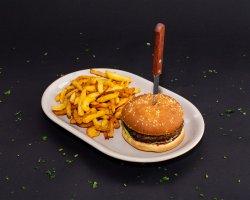 Hamburger cu cartofi pai  image