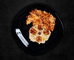 Platou humus și carne shaorma image