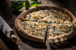 Pizza Quattro Formaggi 32 cm