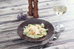Farfalle with chicken and gorgonzola