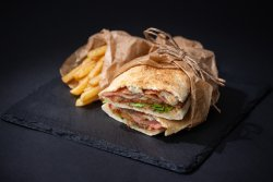 Sandwich cu bacon