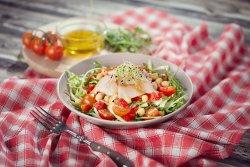 Smoked salmon salad image