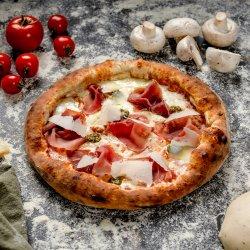 Pizza Prosciutto y Pesto image