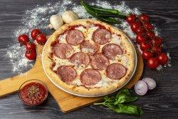 Pizza Salami 32 cm -20% reducere