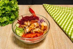 Salată Jabbar cu pui