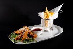 Crispy chicken cu sos sweet chilli şi parmezan image