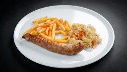 Cârnatul bunicului cu cartofi prăjiți și   salată de varză albă image