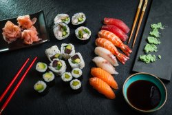Mix sushi (2 persoane)