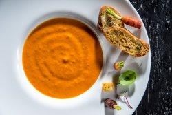 Supă cremă de legume cu crutoane image