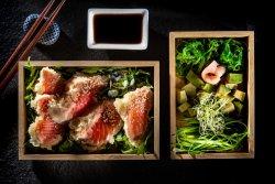 Salmon Tempura cu Salata de Alge image