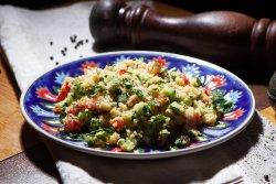 Tabouleh- salată libaneză cu bulgur image
