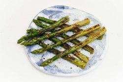 Sparanghel verde la grill image