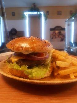 Hamburger cu chiflă simplă