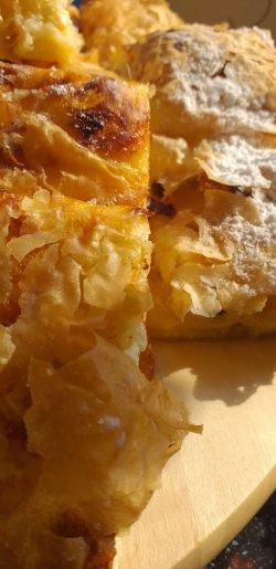 Plăcintă din foi cu brânză
