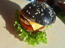 Cheeseburger cu chiflă sepie