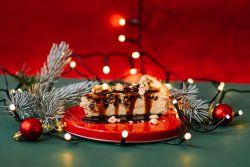 Festive cruncy toffee & chocolate cheesecake image
