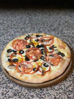 Pizza din Grădină image