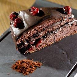 Tortul casei cu ciocolată și visine