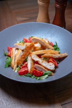 /FORM salad with chicken breast image