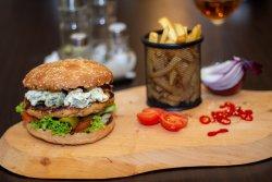 Burger pui și gorgonzola