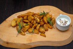Cartofi wedges cu rozmarin