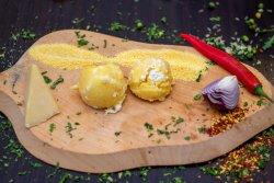 Mămăligă cu brânză