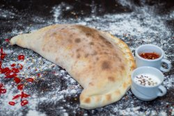 Pizza Calzone Clasico