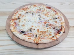 Pizza Prosciutto é funghi