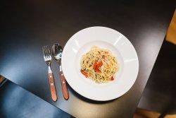 30% REDUCERE: Spaghetti Aglio, Olio e Peperoncino image