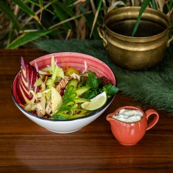 Salată de cruditățI cu piept de pui image