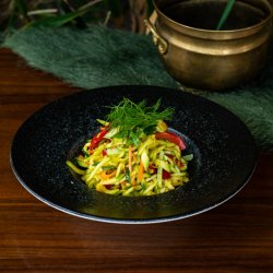 Salată de dovlecei marinațI image