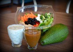 Salata pui cu avocado