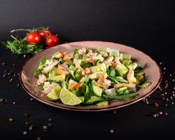Salată Salmon image