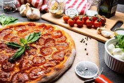 Pizza Salame picante image