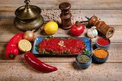 Kebab Urfali cu sos roșu picant