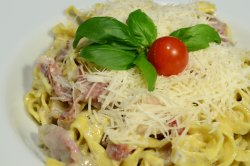 Tagliatelle cu Prosciutto și Gorgonzola