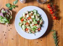 Salată cu năut si avocado