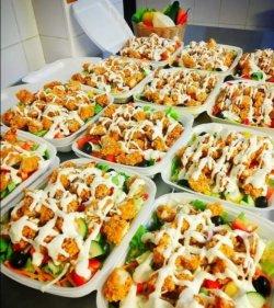 Salată de pui crispy image