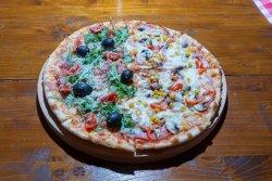 Pizza Jumate-Jumate medie