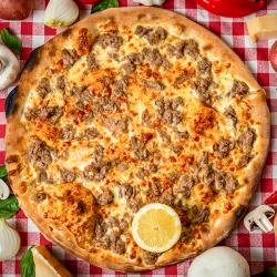 10. Pizza Tonno mică