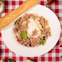 4. Salată cu ton